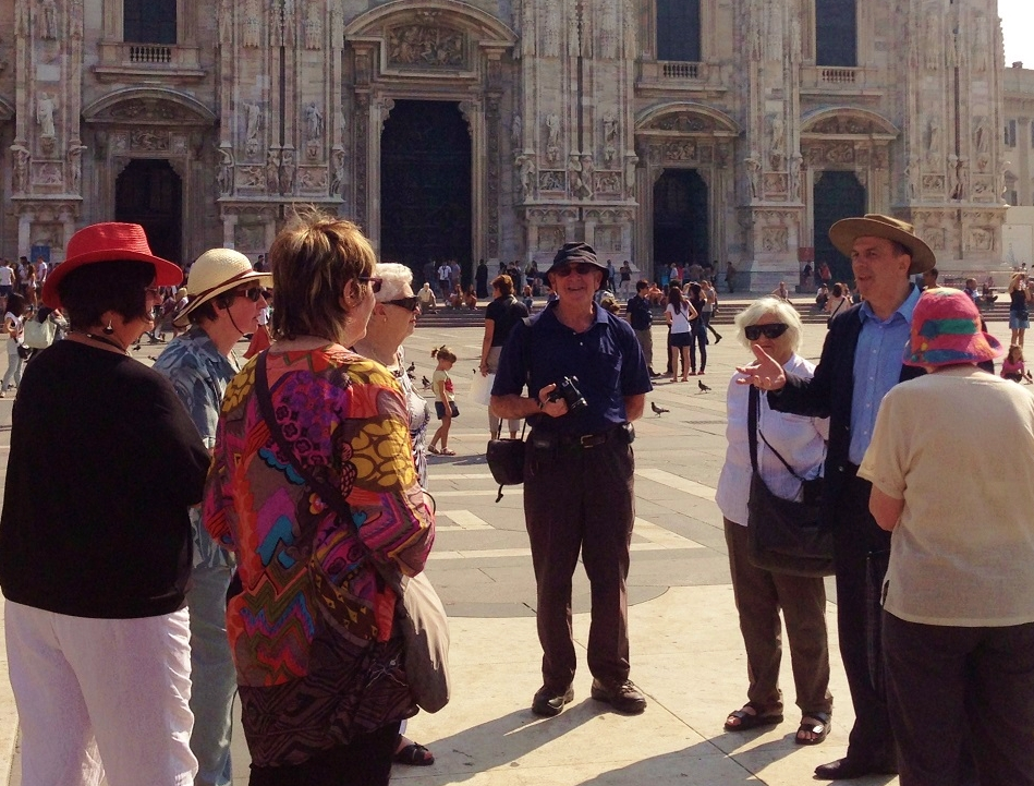 Golden Compass History Group in Milan