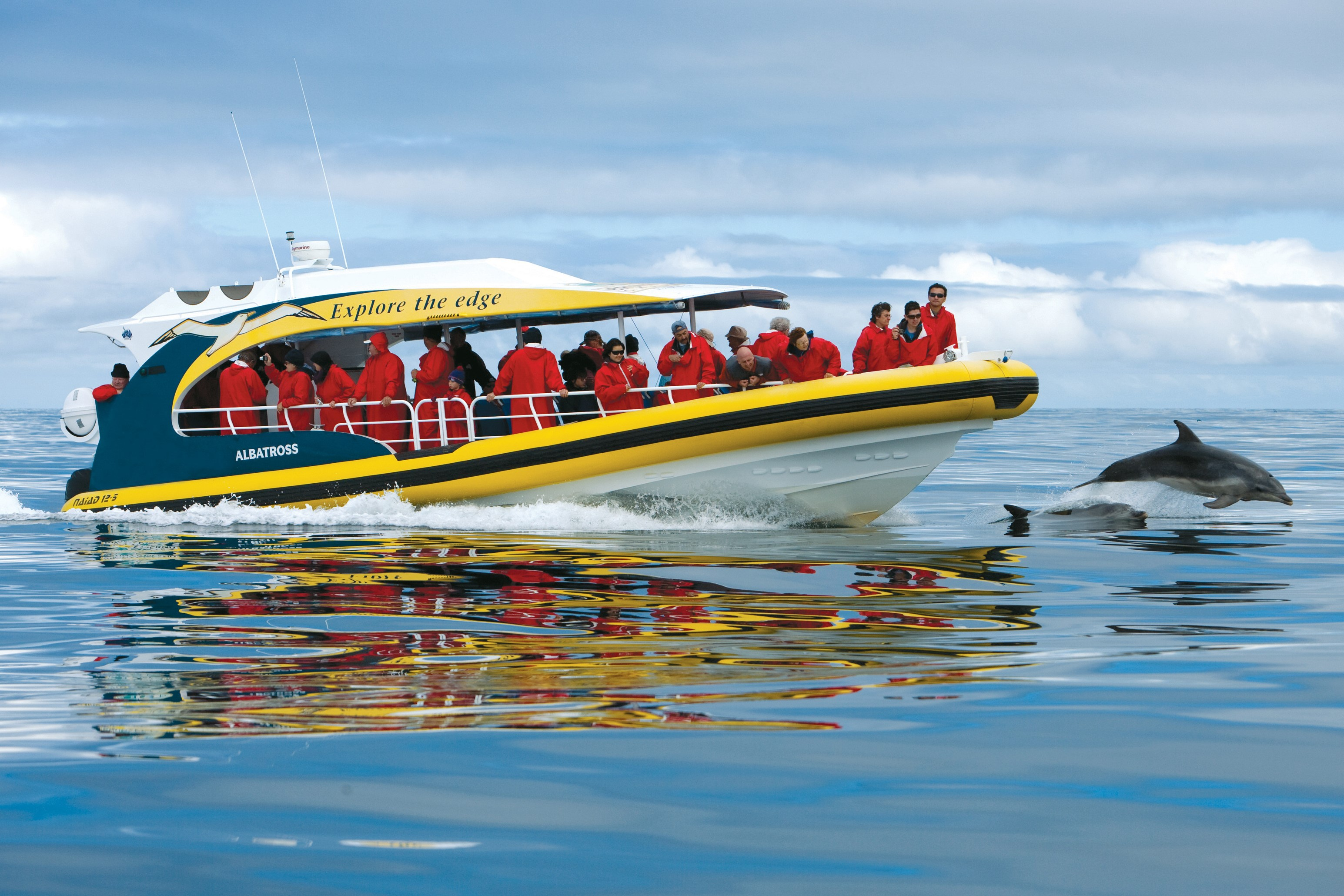 Bruny Island cruise, credit - Tourism Tasmania & Joe Shemesh